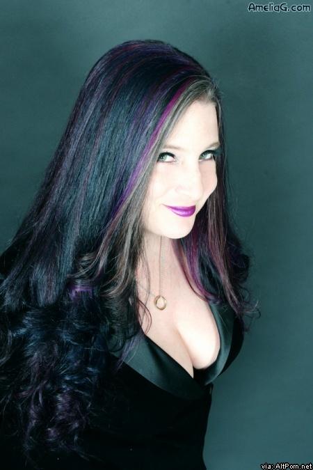 AmeliaG.com: Interview with Amelia G