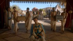 Game of Thrones S3E27 gold bribes
