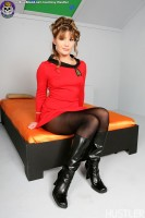 Blue Blood Star Trek Porn http://www.blueblood.net/gallery/star-trek-porn/th_09-star-trek-porn-aurora-snow.jpg