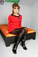 Blue Blood Star Trek Porn http://www.blueblood.net/gallery/star-trek-porn/th_11-star-trek-porn-aurora-snow.jpg