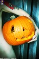 Blue Blood Halloween http://www.blueblood.net/gallery/tara-toxic-halloween/th_tara-toxic-halloween-06.jpg