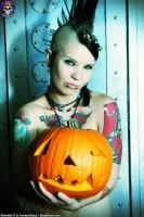 Blue Blood Halloween http://www.blueblood.net/gallery/tara-toxic-halloween/th_tara-toxic-halloween-12.jpg